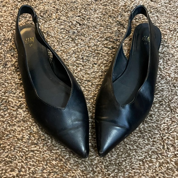 H & M pointed dress flats